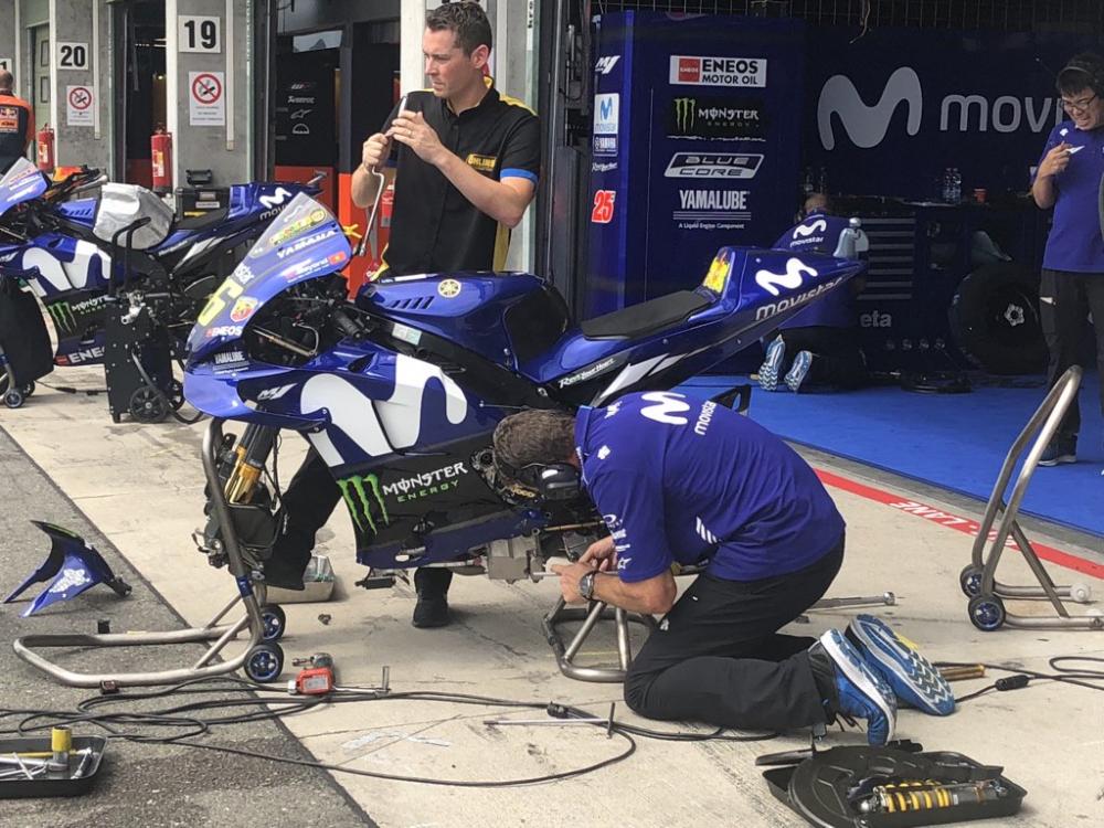 Yamaha Racing Team da tim ra duoc nguyen nhan tren chiec Yamaha M1 - 5