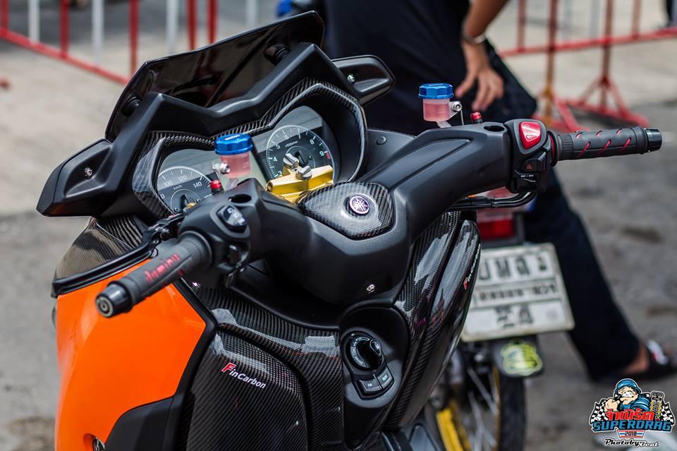 Yamaha X Max 300 do mang hoi tho khoc thet tren dat Thai