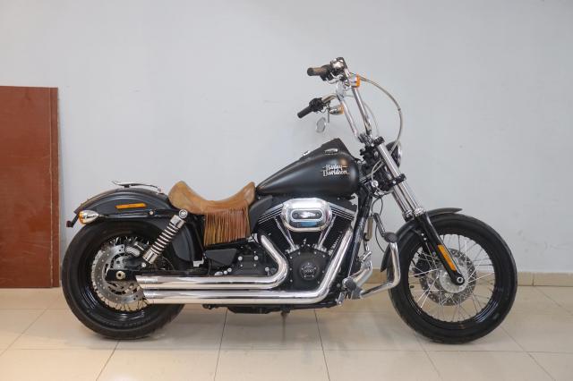 Ban Harley Davidson Streetbob sieu moi va nhieu do choi - 15