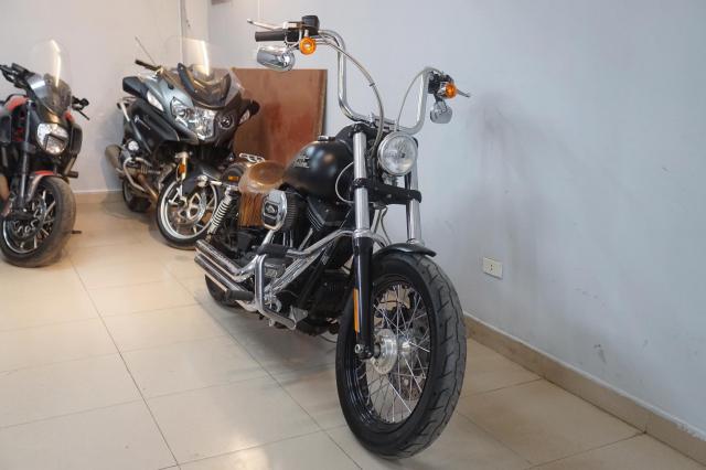 Ban Harley Davidson Streetbob sieu moi va nhieu do choi - 17