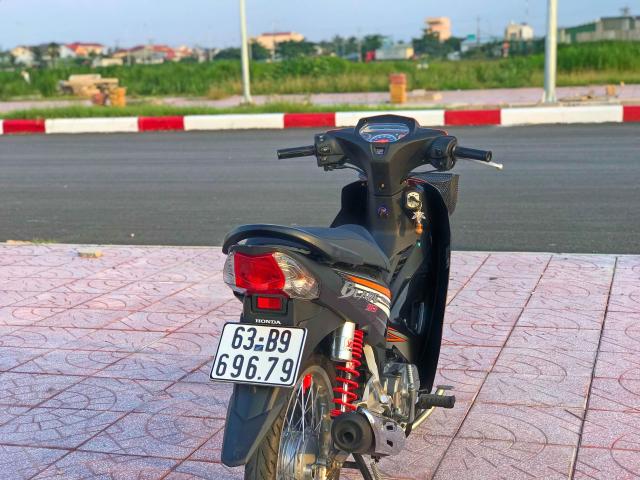 Blade 110 duoc em trai den tu Tien Giang lot xac moi me - 2