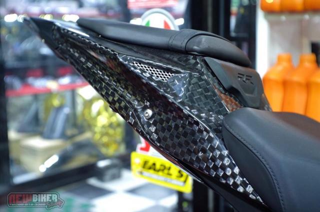 BMW S1000RR hoan thien voi than hinh full Carbon fiber - 6