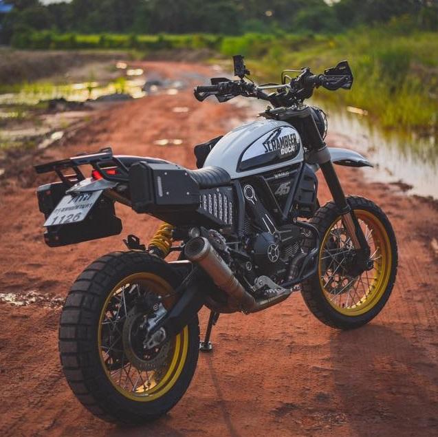 Ducati Scrambler Desert Sled ban nang cap Touring den tu Mugello