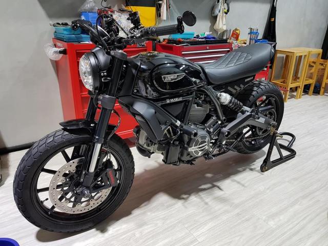Ducati Scrambler Mon do choi cua nhung ga dan ong