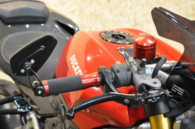 Ducati Streetfighter 1100S Huyen thoai duong pho bat tu - 4