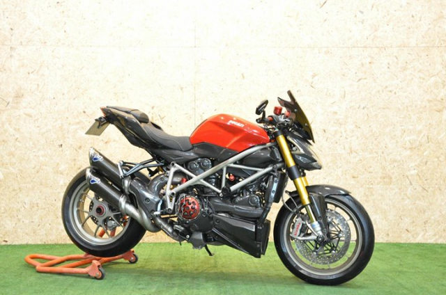 Ducati Streetfighter 1100S Huyen thoai duong pho bat tu - 10