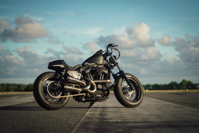 Harley Davidson Sporter ban tuy chinh dac biet mang ten The 77 Special