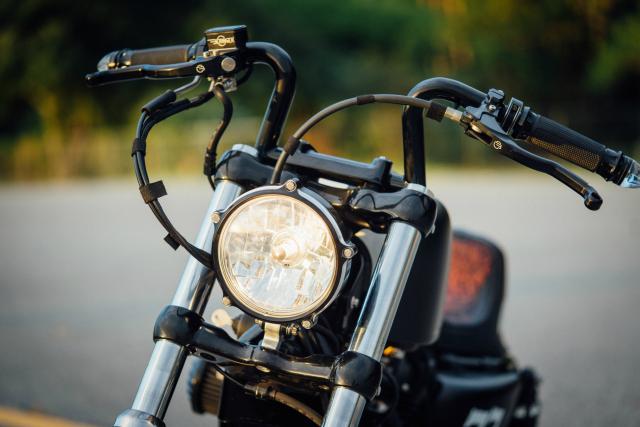 Harley Davidson Sporter ban tuy chinh dac biet mang ten The 77 Special - 4