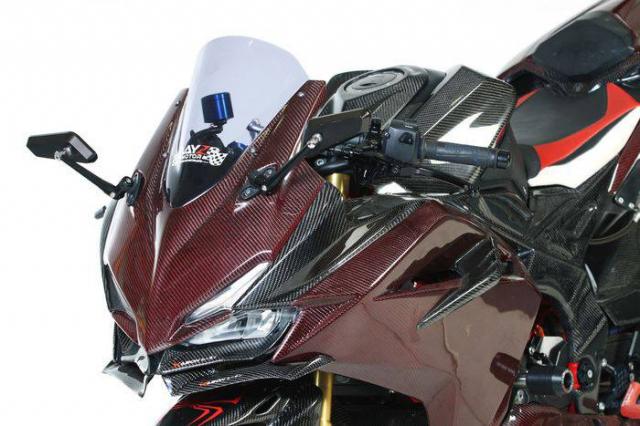 Honda CBR250RR do cuc khung voi than hinh Carbon