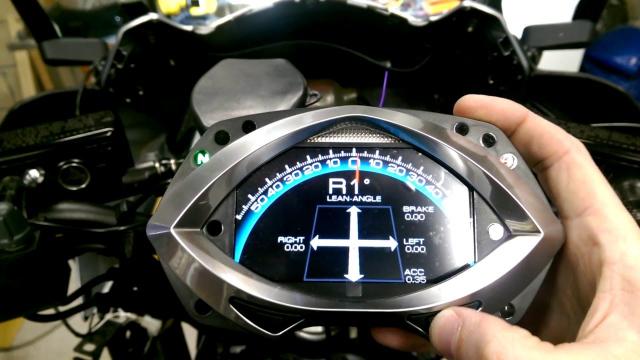 Honda dang ky bang sang che Dong Ho Dieu Chinh goc nghieng cho Honda CB1000R moi
