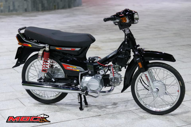 Honda Dream do duoc phuc dung bang hang loat phu tung moi - 7