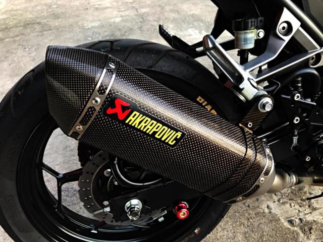 Kawasaki Ninja 300 nang cap day tinh te voi gam mau Matte Black - 6