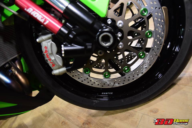 Kawasaki ZX10R do don gian day tinh te voi dan chan aluminim kich doc - 6