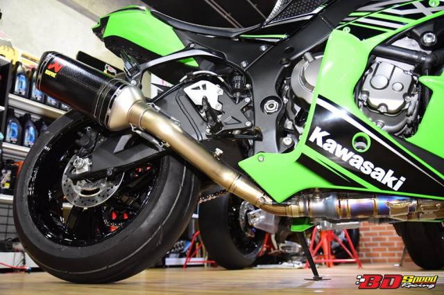 Kawasaki ZX10R do don gian day tinh te voi dan chan aluminim kich doc - 10