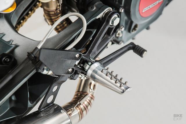 KTM 250 Duke Hoa hop giua nghe thuat duong pho va am nhac - 6