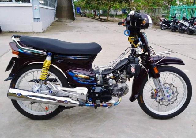 Man nhan voi Honda Dream duoc lot xac bang dan combo hien dai - 7