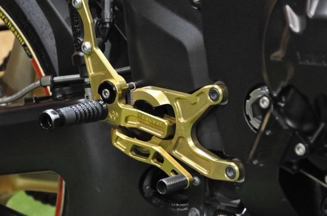 Yamaha R1 2008 Ve dep di cung thoi gian - 8