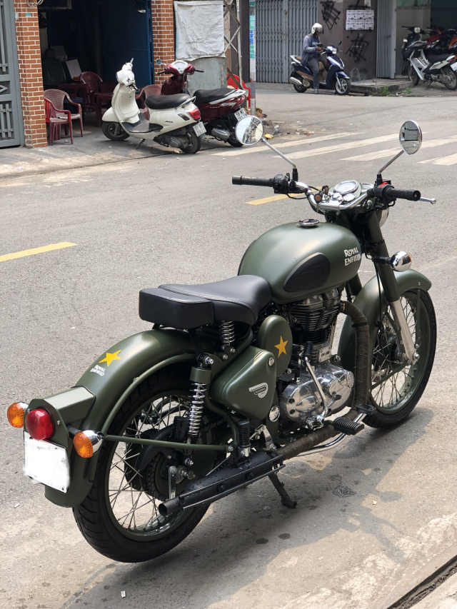 __ Can Ban xe Royal Enfield Battle Green 500cc Mau xanh quan doi la mau nguyen thuy cua Royal Enfie
