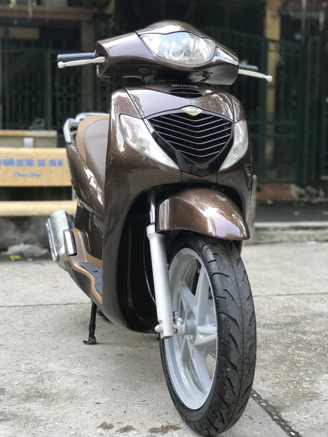 Ban xe Honda SH 150i mau nau Cafe nhap khau Y cuoi 2010 - 7