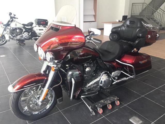Can ban Xe Harley Davidson Ultra CVO doi 2015