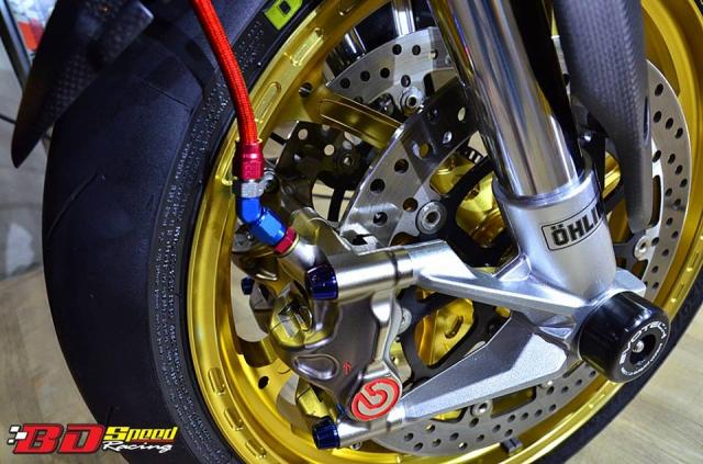 Ducati Hypermotard day khieu goi voi dan chan hang nang - 5