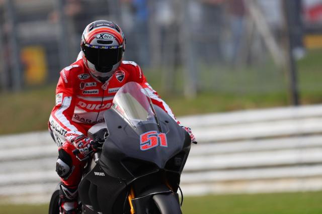 Ducati V4R xuat hien tren duong dua lay cam hung cho MotoGP