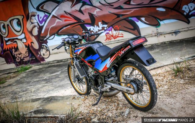 Ha hoc voi Kawasaki Victor 150 do dinh khoe dang ben son Grunge Graffiti - 5