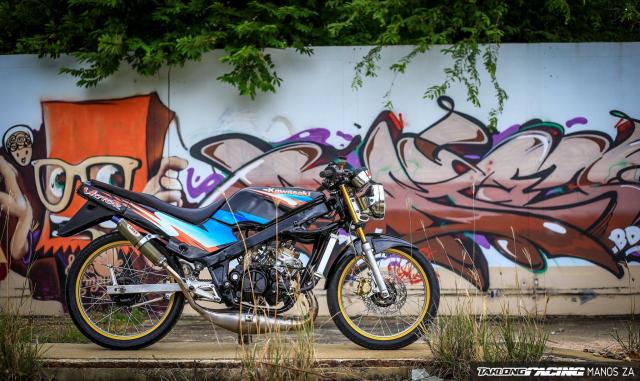 Ha hoc voi Kawasaki Victor 150 do dinh khoe dang ben son Grunge Graffiti - 7