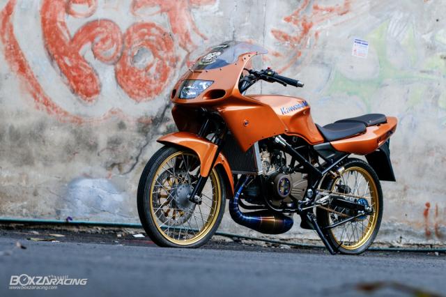 Kawasaki KRR ZX150 Trong ban do dam chat Racing den tu Xu chua vang