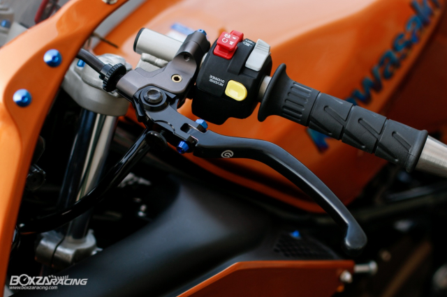 Kawasaki KRR ZX150 Trong ban do dam chat Racing den tu Xu chua vang - 5