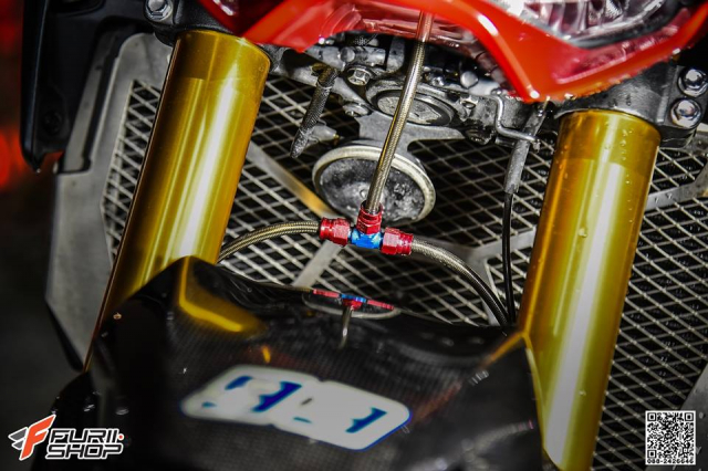 Kawasaki Z900 ruc lua voi phong cach Red Candy - 8