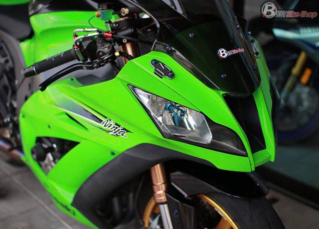 Kawasaki ZX10R sac so voi goi trang bi hang hieu