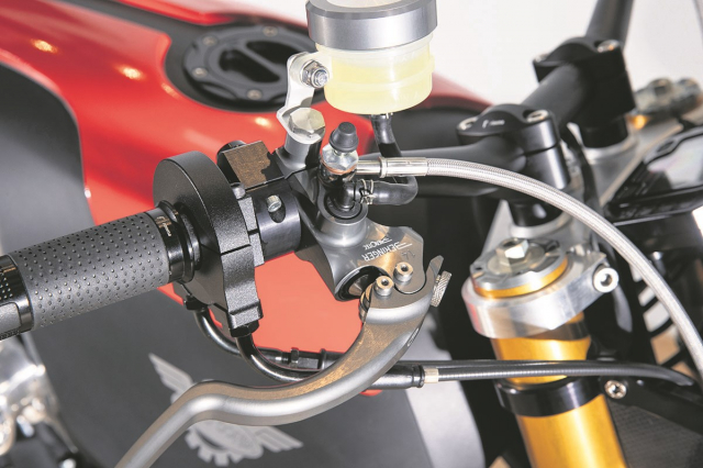 Moto Corsa 2K so huu dong co VTwin 1961cc voi gia ban hon 1 ti VND - 3