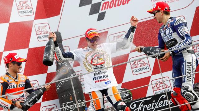 MotoGPHanh trinh tu dua tre den nha vo dich the gioi Marc MarQuez - 6