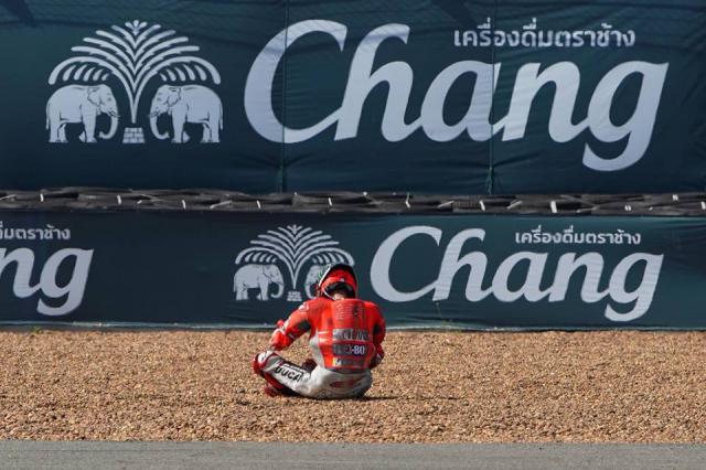 MotoGP Ngay chay phan hang dau tien truoc chang 16 Tai Nhat Ban - 6