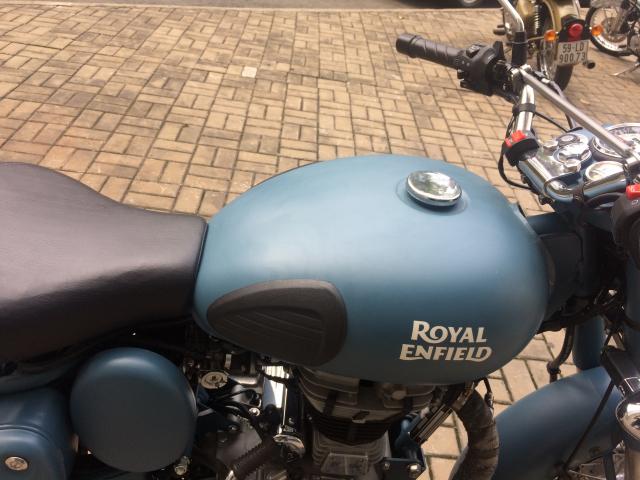 Royal Enfield classic 500 SQUADRON BLUE - 2
