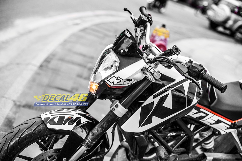 Tem trum KTM Duke Trang den zin cuc chat tai Decal 46 - 4