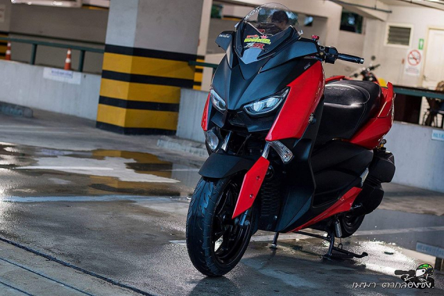 Yamaha XMax300 ruc ro ben dan do khung