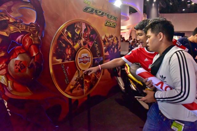 Aerox 155 phien ban gioi han Lien Quan mobile chi 20 chiec - 8