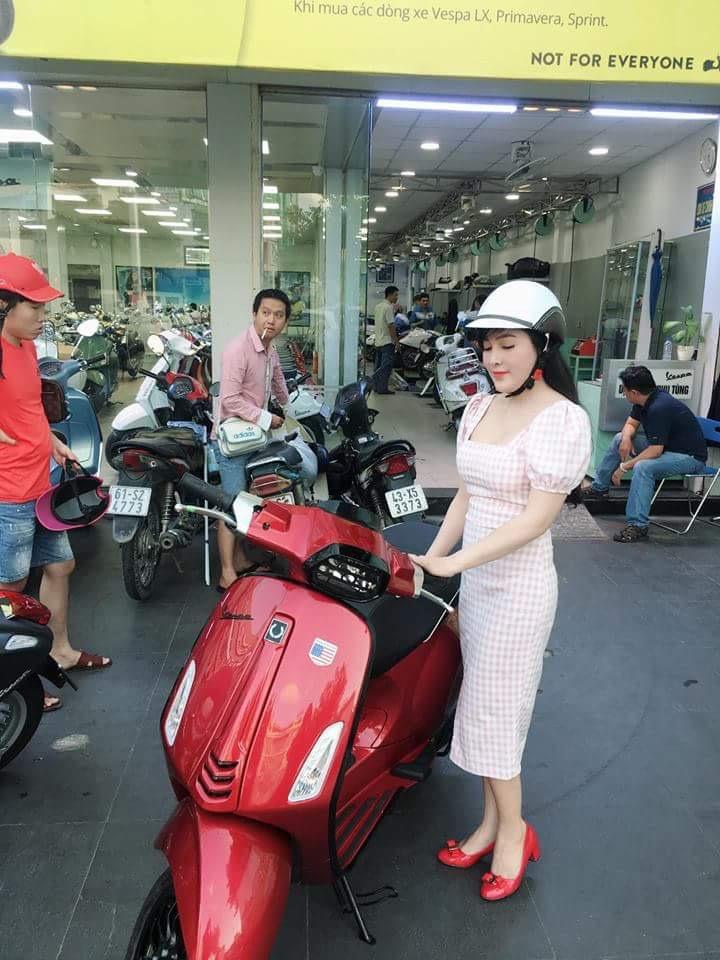 BANG MAU XE VESPA SPRITN 2019 DAT HANG THEO YEU CAU - 11