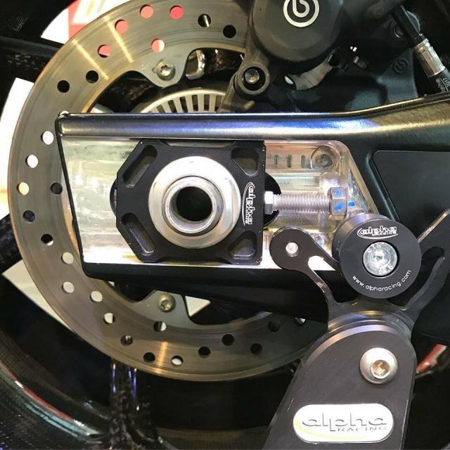 BMW S1000RR 2019 Ca voi do dau tien duoi su tai tro cua thuong hieu Alpha Racing - 10