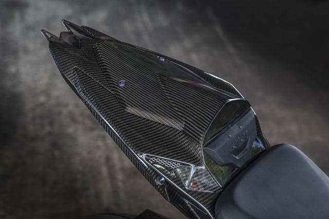BMW S1000RR man nhan voi bo canh sac mui Carbon - 8