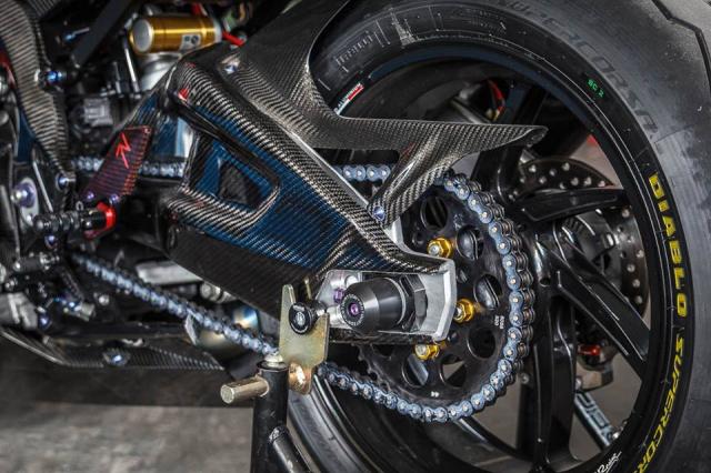 BMW S1000RR man nhan voi bo canh sac mui Carbon - 16
