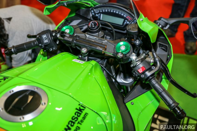 Can canh Kawasaki Ninja ZX10RR va ZX6R 2019 duoc cong bo gia khoi diem 899 trieu va 444 trieu VND - 12