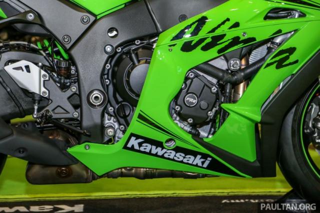 Can canh Kawasaki Ninja ZX10RR va ZX6R 2019 duoc cong bo gia khoi diem 899 trieu va 444 trieu VND - 18
