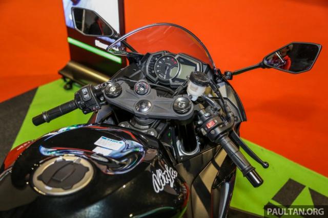 Can canh Kawasaki Ninja ZX10RR va ZX6R 2019 duoc cong bo gia khoi diem 899 trieu va 444 trieu VND - 22