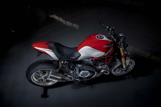 Ducati Monster 1200 phien ban Tricolore tu Motovation