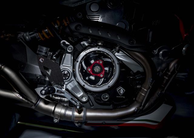 Ducati Monster 1200 phien ban Tricolore tu Motovation - 10