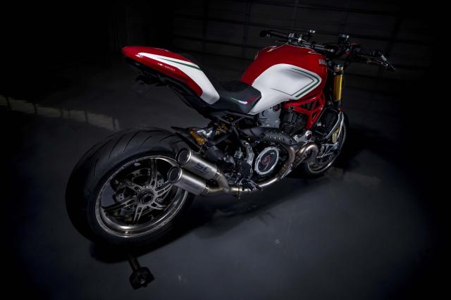 Ducati Monster 1200 phien ban Tricolore tu Motovation - 14