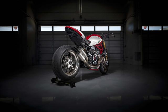 Ducati Monster 1200 phien ban Tricolore tu Motovation - 16